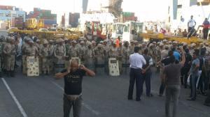 قوات الجيش قبل الهجوم على العمال